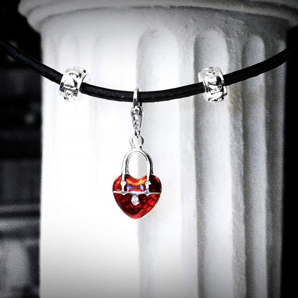 Real leather collar necklace pendant heart