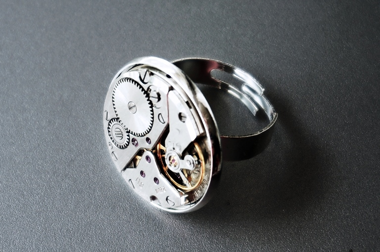steampunk ring with rubies
