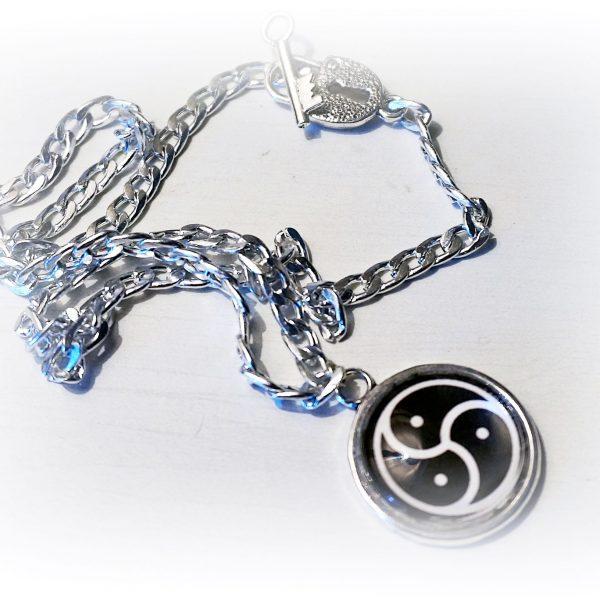 BDSM symbol triskele trikselion collar necklace submissive dominant