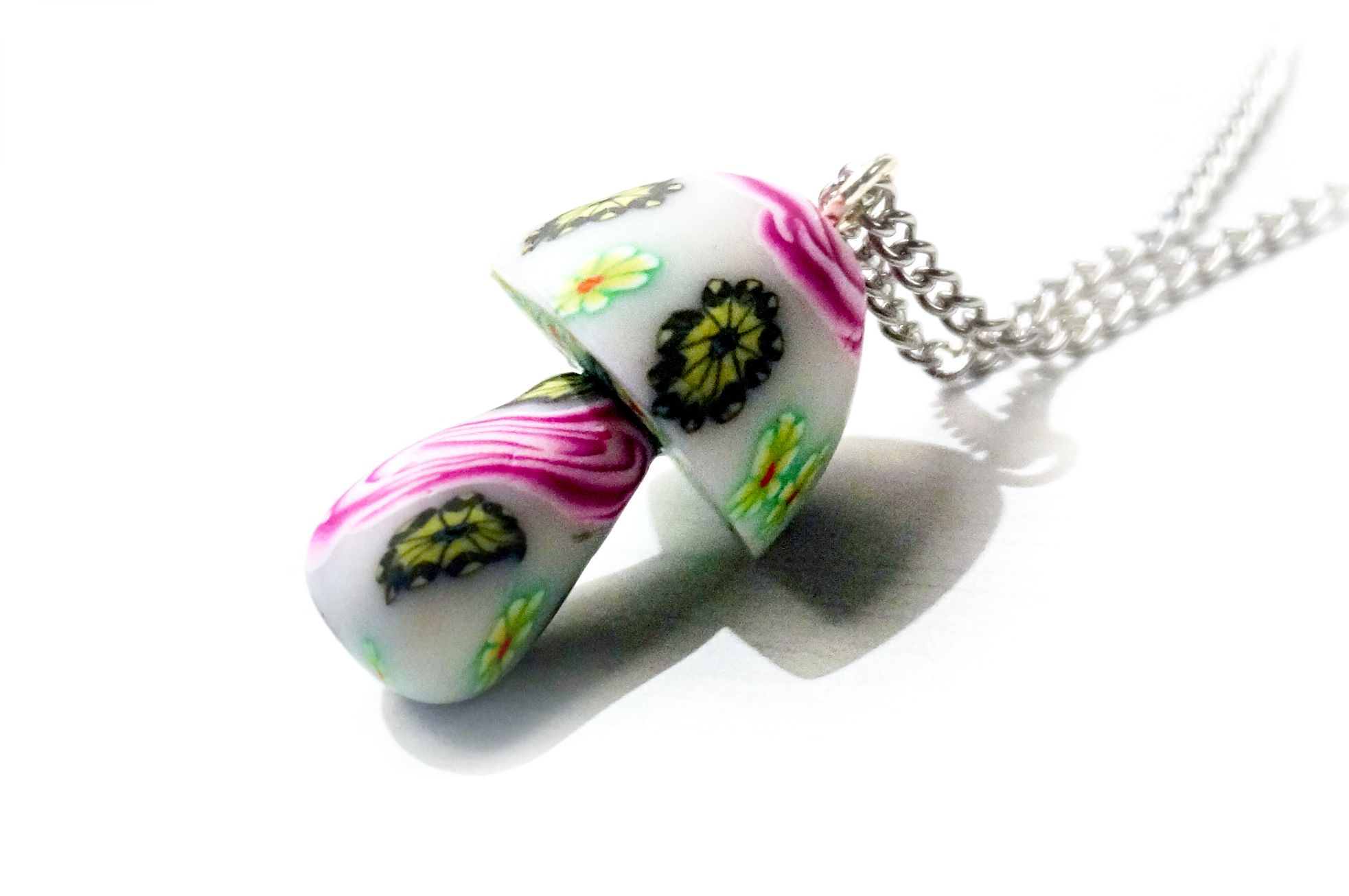 hippies clothing mushrooms necklace psychedelic trance boho chic