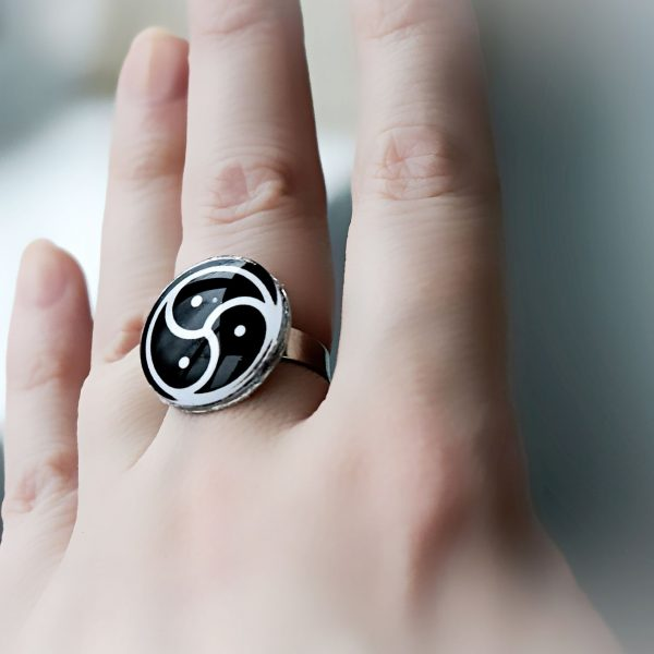 triskele bdsm jewelry ring