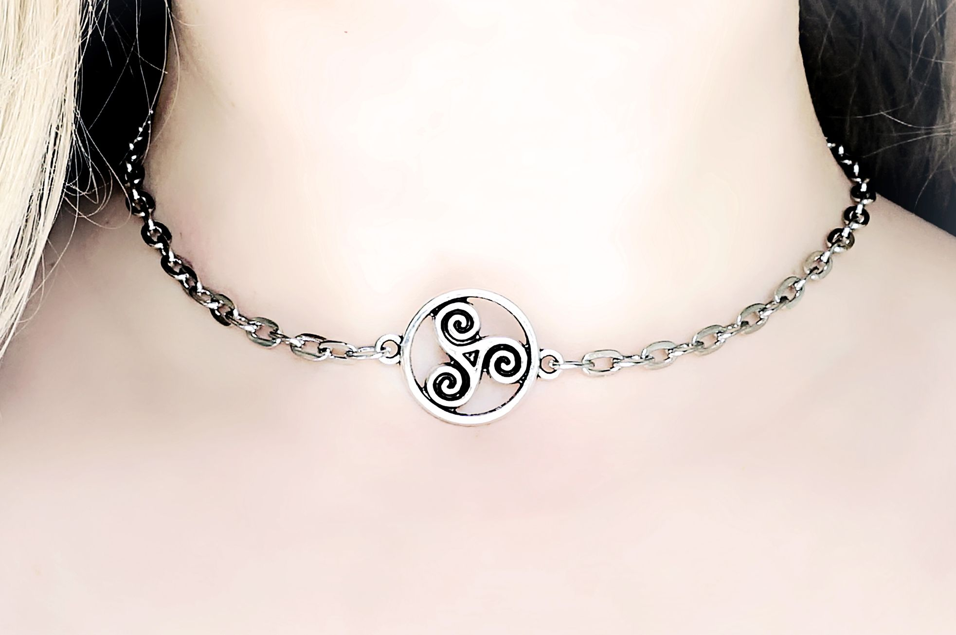 Submissive collar triskele bdsm emblem