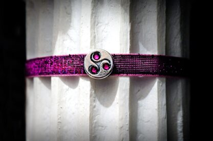 BDSM jewelry symbol triskele day collar