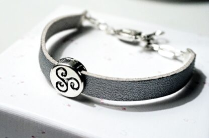БДСМ символ трискель браслет наручник