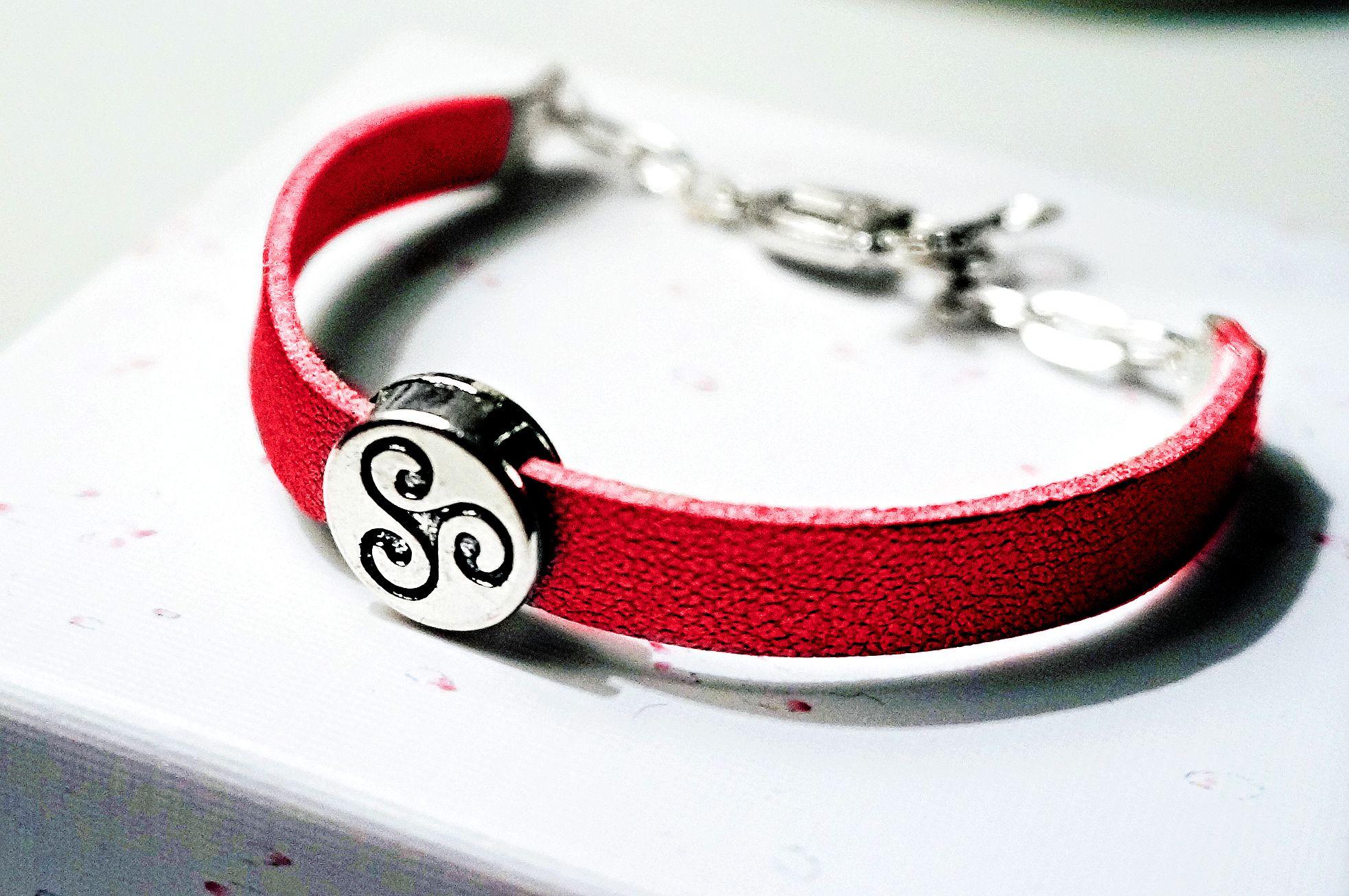 BDSM symbol triskele bracelet cuff