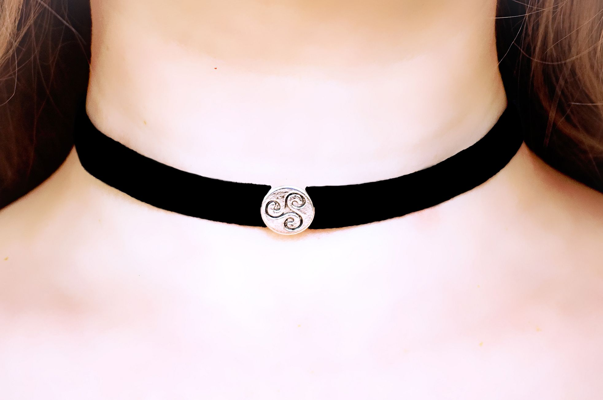 Day submissive collar triskele