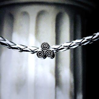 БДСМ символ трискель сабмиссив ошейник