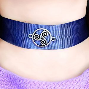 Submissive collar triskele triskelion