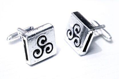 БДСМ символ трискель запонки сабмиссив