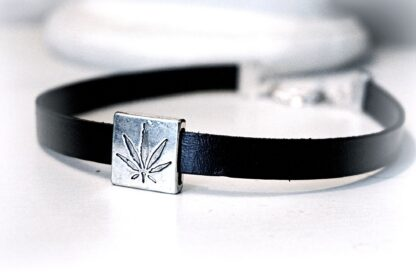 Marijuana leaf submissive collar hippie hippies clothing