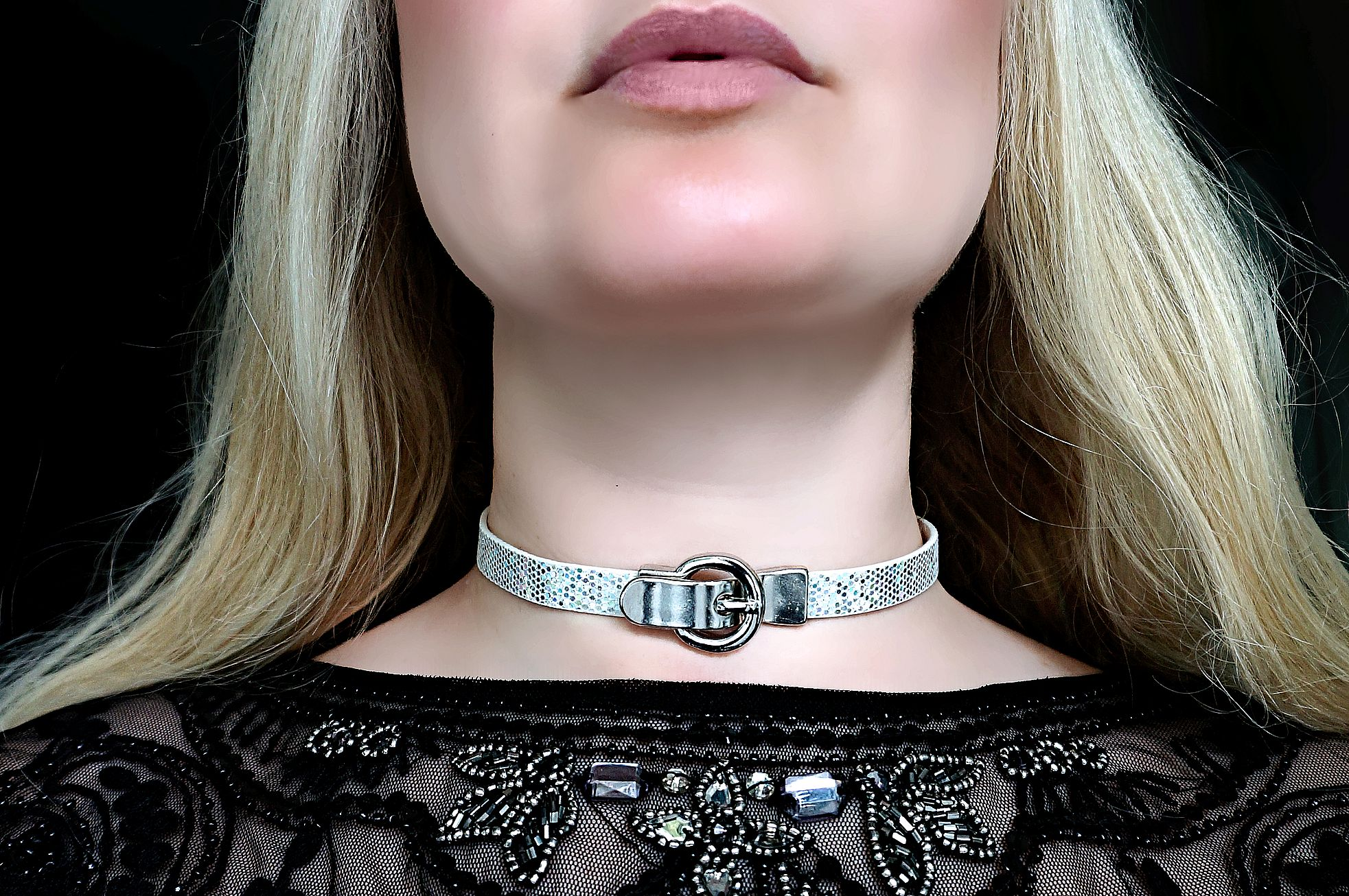 Submissive collar choker necklace lock