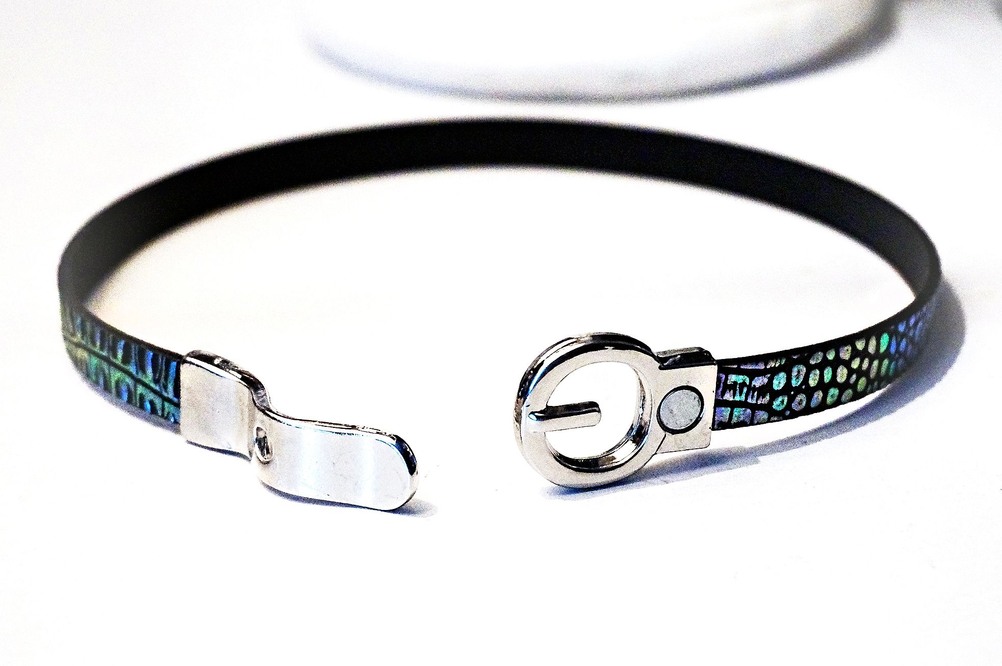 Submissive collar choker necklace Hippie Clothing psychedelic