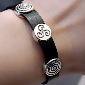 БДСМ символ кожаный браслет трискель