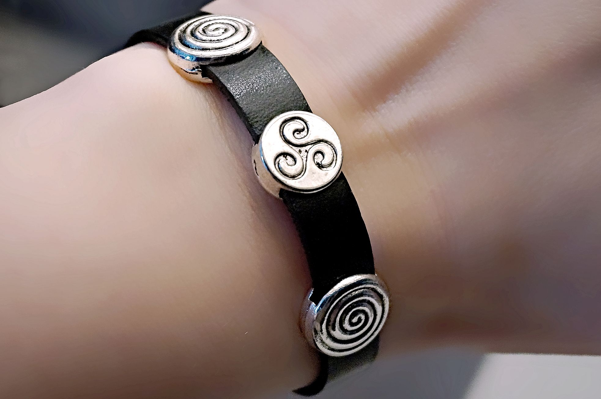 BDSM symbol bracelet triskele triskelion