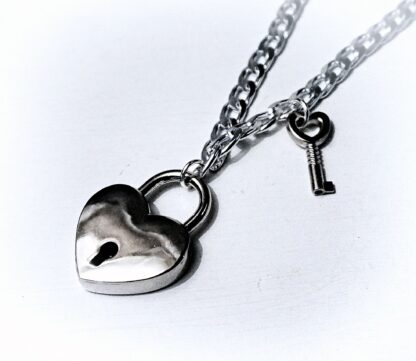 BDSM submissive day collar lock choker heart necklace