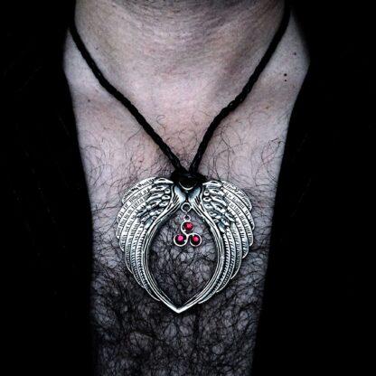Mens pendant wings BDSM symbole dominant necklace triskele