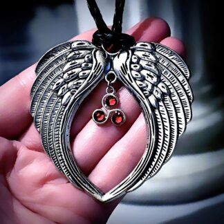Mens pendant wings BDSM symbole dominant necklace triskele