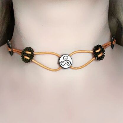 Submissive triskele collar necklace bdsm jewelry