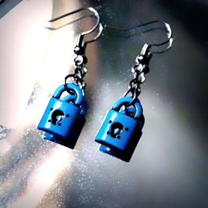 BDSM earrings key lock dominant submissive