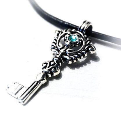Steampunk BDSM submissive collar necklace key pendant