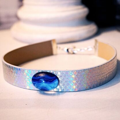 Submissive day collar holographic psychedelic necklace