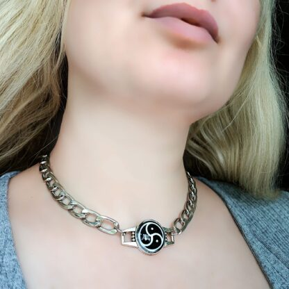 BDSM symbol triskele triskelion collar metal necklace submissive dominant