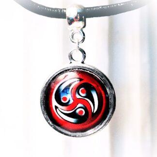 БДСМ символ трискель трискелион эмблема ошейник подвеска