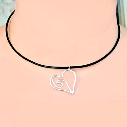 Steampunk BDSM jewelry submissive day collar heart necklace leather choker